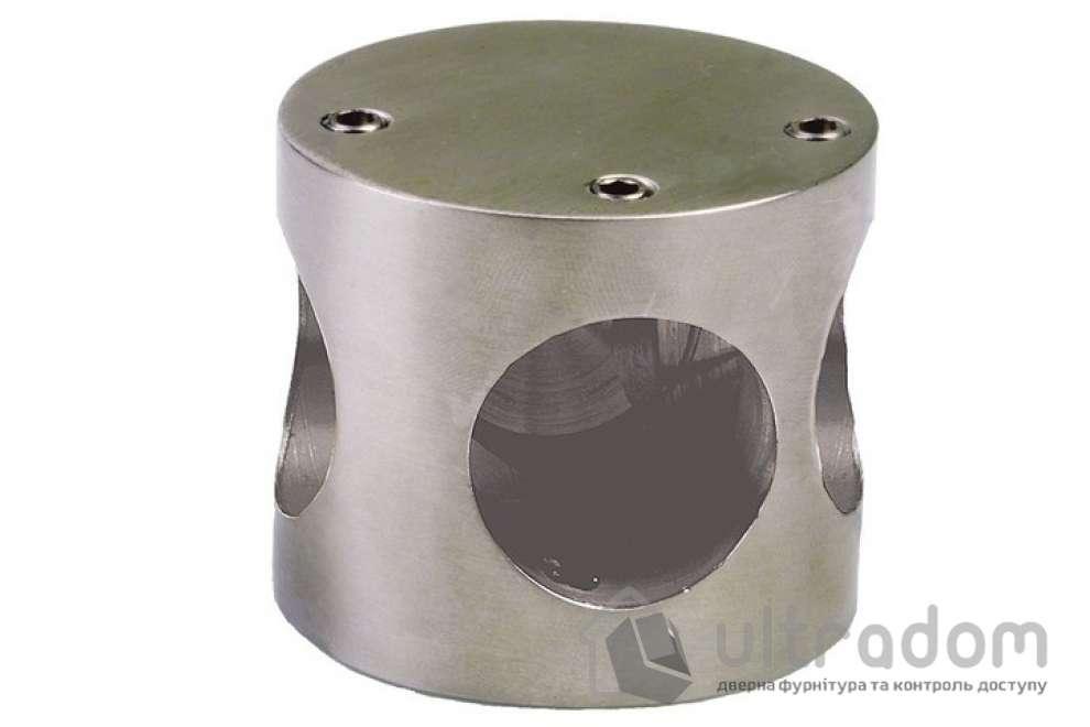 Amig соеденяющая муфта с тремя отверстиями мод.100 50*43 мм